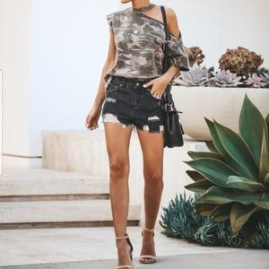POL BLACK DISTRESSED SHORTS